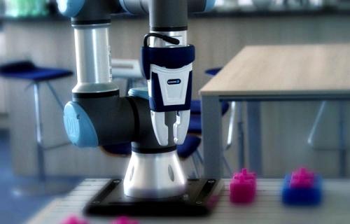 Universal Robots mit Schunk co-act Greifer